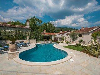 5 bedroom Villa in Pican, Istria, Svici, Croatia : ref 2375186 - Krbune vacation rentals