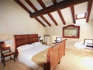 Casa del pittore B&B - Camera Rossa - Mantova vacation rentals