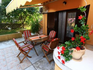 Nice Condo with Internet Access and A/C - Sutomiscica vacation rentals