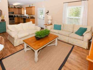 Gorgeous Cottage with Internet Access and A/C - Gulf Shores vacation rentals