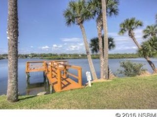 Kate's Places-Luxury 2bed 2bath Courtyard Villas at Riverfront Dolphin Cove NSB - New Smyrna Beach vacation rentals