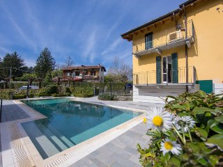 2 bedroom Townhouse with Internet Access in Bellagio - Bellagio vacation rentals