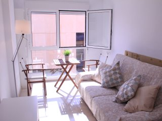 Alicante Centre, Lovely Brand New, all services - Alicante vacation rentals