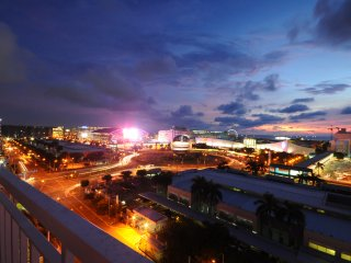 Sunset views in a cozy 1BR Unit near Mall of Asia - Pasay vacation rentals