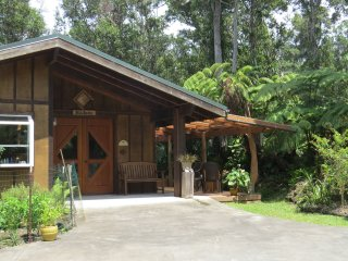 Craftsman cottage on 6 forested acres - Kailua-Kona vacation rentals