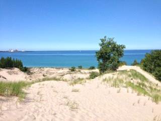 A Charlevoix Vacation Rental within 2 blocks from Lake Michigan - Charlevoix vacation rentals