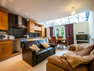 LUXURY BLUEWATER HOLIDAY HOME - Greenhithe vacation rentals