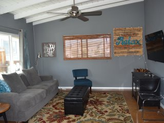 2 bedroom Bungalow 1 block to beach - Newport Beach vacation rentals