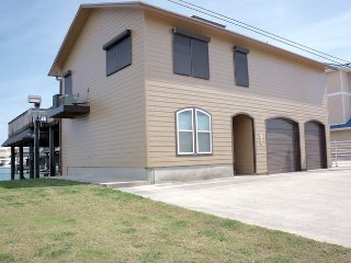 Convenient 4 bedroom House in Port O Connor - Port O Connor vacation rentals