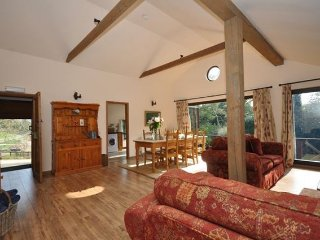 Nice House with Internet Access and Hot Tub - Temple Guiting vacation rentals