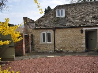2 bedroom House with Internet Access in Cirencester - Cirencester vacation rentals