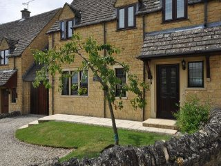 3 bedroom House with Internet Access in Todenham - Todenham vacation rentals