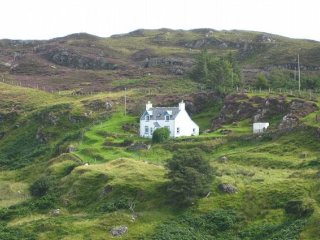 Charming House in Drumbeg with Internet Access, sleeps 4 - Drumbeg vacation rentals