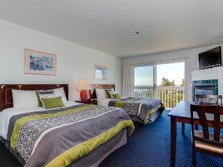 Dog-friendly condo boasts ocean views, easy beach access & more! - Lincoln City vacation rentals