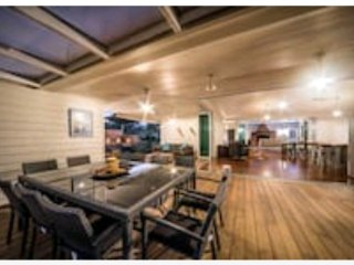 Hallam House in the Whitsundays - Cannonvale vacation rentals