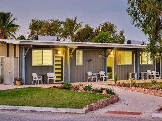 Comfortable Condo with A/C and Television - Exmouth vacation rentals
