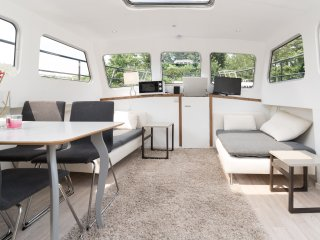 Elibertus; basic houseboat 10 min center FREE bike - Amsterdam vacation rentals