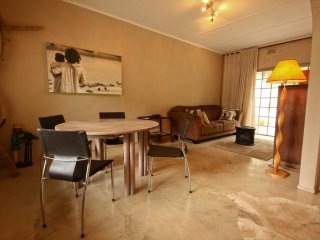 Detached, independent self-catering Nkawu Cottage - Mtunzini vacation rentals