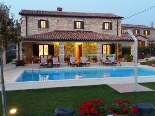 5 bedroom Villa with Internet Access in Tinjan - Tinjan vacation rentals