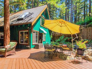 Charming 2 bedroom House in Guerneville with Deck - Guerneville vacation rentals
