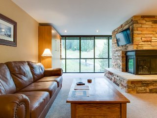 Ski-in/ski-out upscale condo w/ shared pool & hot tub - close to lifts - Copper Mountain vacation rentals