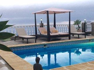 2 bedroom Bungalow with Internet Access in El Sauzal - El Sauzal vacation rentals