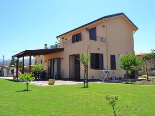 Cozy 3 bedroom Trabia Villa with Deck - Trabia vacation rentals