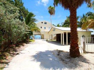 KEYS OCEANFRONT HOME-PRIVATE BEACH/POOL + 4 VILLAS - Marathon Shores vacation rentals