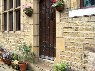 Railway Terrace - a Grade II listed cottage - Halifax vacation rentals