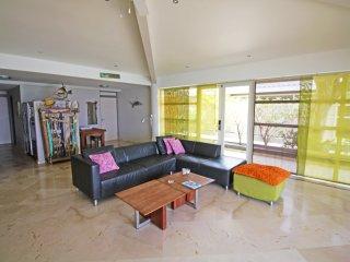 Best Value on Playa Lechi, 8 min walk to town, New - Kralendijk vacation rentals