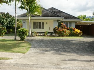 Gorgeous Villa with Internet Access and A/C - Ocho Rios vacation rentals