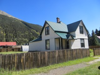 Perfect House with Washing Machine and Television - Silverton vacation rentals