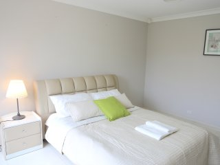 No.1 Cozy Double Room With Shared Bathroom - Bankstown vacation rentals