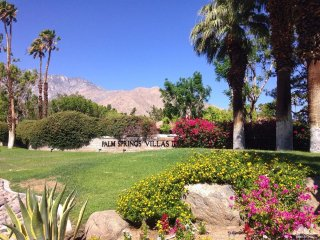 Desert Poolside Condo in Palm Springs California - Palm Springs vacation rentals
