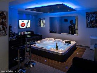 Villa Les Oliviers - Chambre & Spa - Cuers vacation rentals