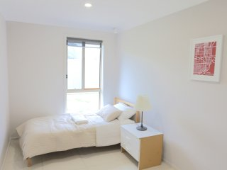 No.2 Comfortable Double Room With Shared Bathroom - Sydney vacation rentals