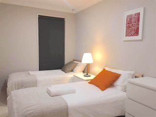 No.3 Delicate Double Room With Shared Bathroom - Sydney vacation rentals