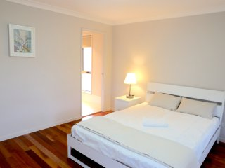 No.5 Deluxe Double Room With Private Bathroom - Sydney vacation rentals