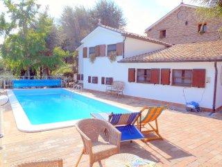 Cozy 2 bedroom Condo in Castel Colonna - Castel Colonna vacation rentals