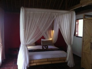 Cozy 1 bedroom Selong Belanak Bungalow with Shared Outdoor Pool - Selong Belanak vacation rentals