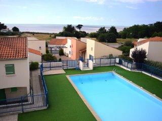 Appartement face mer avec piscine-300 mètres plage - La Bernerie-en-Retz vacation rentals