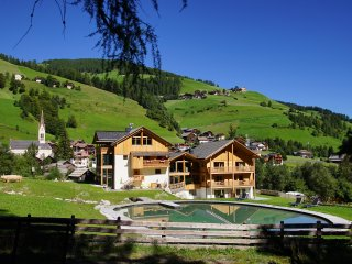 Chalet Mornà Residence Apartments **** - San Martino in Badia vacation rentals