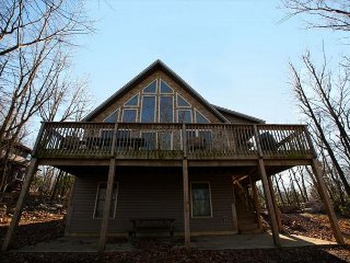 """Four Seasons"" Vacation Home with Huge raised Deck, Hot Tub, Pool Table, WIFI - Lake Harmony vacation rentals"