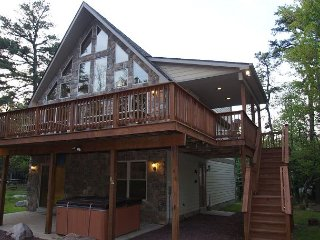 """Great Wolf"" Walk to H20 Water Park, Covered Porch, Hot Tub, Pool Table, WIFI - Lake Harmony vacation rentals"