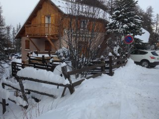 Nice Chalet with Satellite Or Cable TV and Parking - Risoul vacation rentals