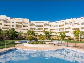 LOVELY 2 BED 2 BATH APT WITH FABULOUS VIEWS - Benalmadena vacation rentals
