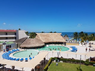 OCEAN VIEW HOTEL ZONE CANCUN STUDIO #327 - Cancun vacation rentals