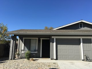 COZY 2 BED, 1 BATH, 1 CAR GARAGE WITH BACKYARD! - Sacramento vacation rentals
