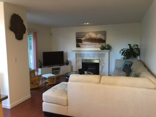 Beautiful 3 bedroom House in Coquitlam - Coquitlam vacation rentals