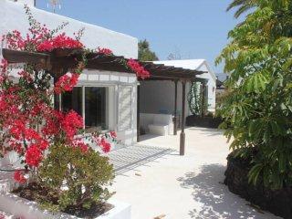 Holiday Villa Mare in Puerto del Carmen - Puerto Del Carmen vacation rentals